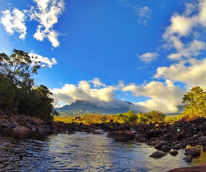 rio kukenán - roraima image