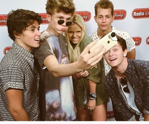 alli simpson and the vamps image