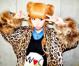 japanese fashion, wc, and gyaru image