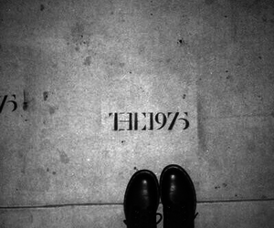 black & white, grunge, and the 1975 image