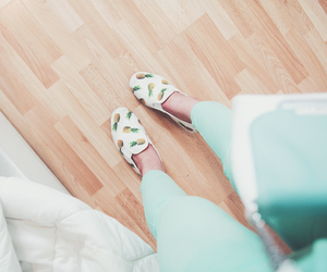 clothes, color, and shoes image