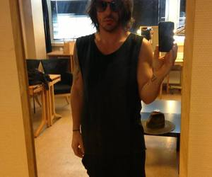 30 seconds to mars, selfie, and shannon leto image