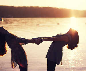 friends, sun, and beach image