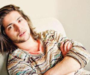thomas mcdonell, boy, and guy image