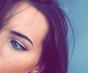 blue eyes, contour, and eye liner image