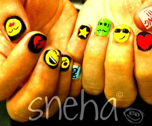 blackberry, nail art, and smiley image