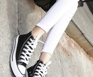 outfit, street style, and white jeans image