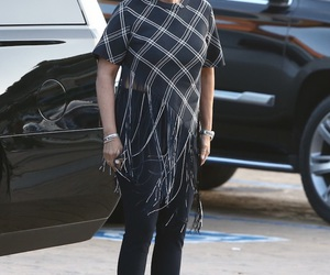 celebrity, street style, and kris jenner image