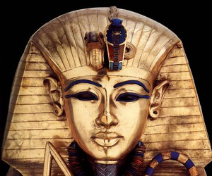 gold and egypt image
