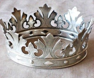 crown, silver, and aesthetic image