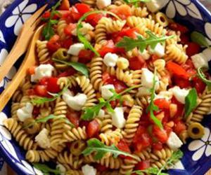salad, summer food, and pastas image