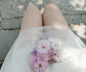 flowers, dress, and pale image
