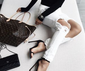 bags, knees, and zapatos  image