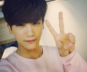 actor and park hyung sik image