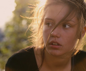 adele exarchopoulos and blue is the warmest color image