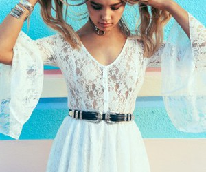dress, white dress, and ustrendy image