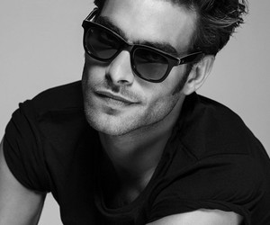 model and Jon Kortajarena image
