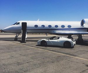 kylie jenner, luxury, and car image
