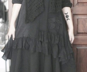 black, dress, and scarf image
