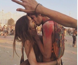 couple, festival, and kiss image