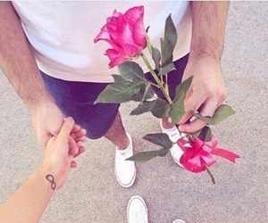 couples, love, and رومانسيه image