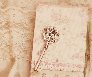 key, vintage, and pink image