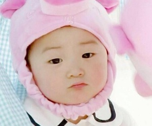 baby and minguk image