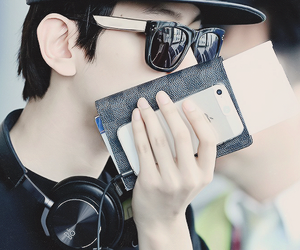 accessories, kris, and sehun image