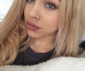 blond, eye, and lips image