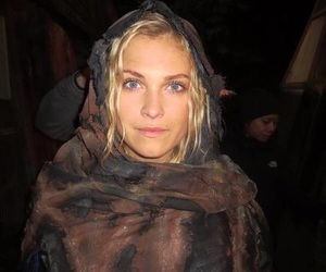 the100, eliza taylor, and clarke griffins image