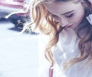 casual, beautiful blonde, and sabrina carpenter image