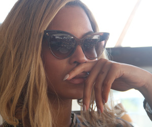 beyoncé, sunglasses, and queen b image