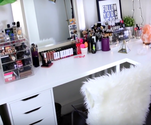 brush, makeup, and table image