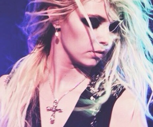 Taylor Momsen, the pretty reckless, and taylormomsen image