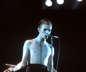 bowie, thin white duke, and dave bowie image