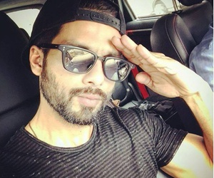 independent, india, and shahid kapoor image