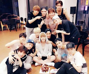 Seventeen, s.coups, and dino image
