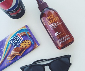 chocolate, sunglasses, and vacation image