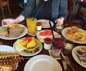 breakfast, girls, and healthy image