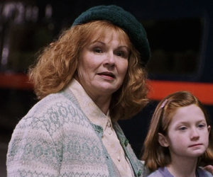 harry potter, hogwarts, and molly weasley image