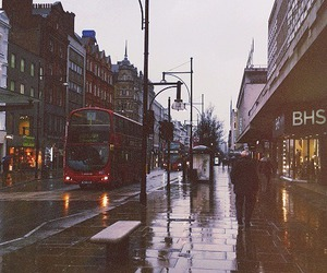 london, rain, and city image