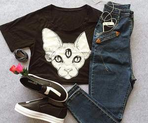 outfit, gruge, and cats shirt image