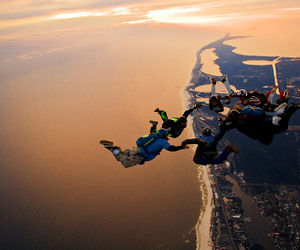 skydiving image