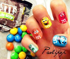 nails and m&m's image