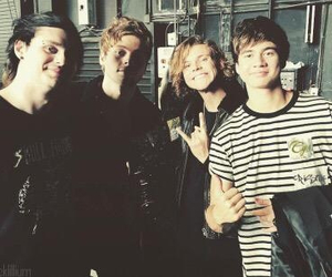 5sos, calum hood, and ashton image