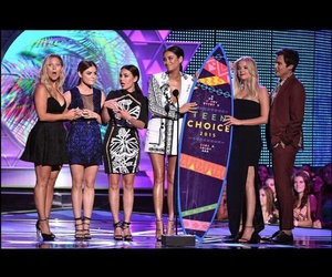 cast, teen choice awards, and lucy hale image