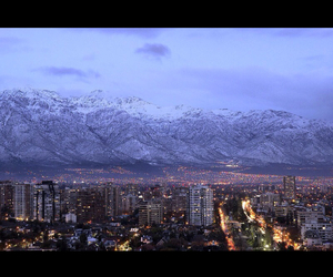 chile and santiago image