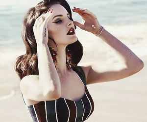 lana del rey, beach, and black and white image