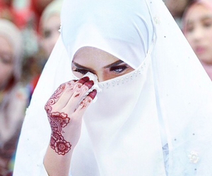 muslim, henna, and hijab image