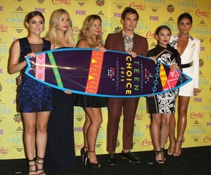 pretty little liars, cast, and lucy hale image